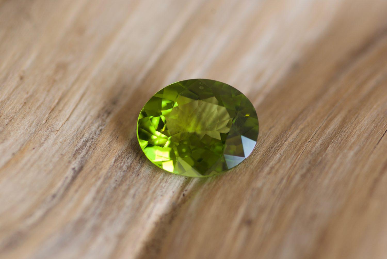 Péridot naturel. 8,37 carats