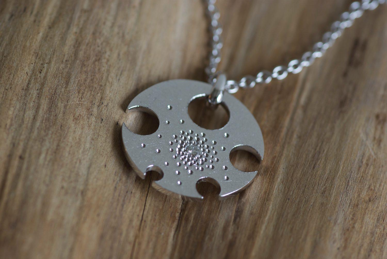 Collier Sirius. Or gris et diamant.