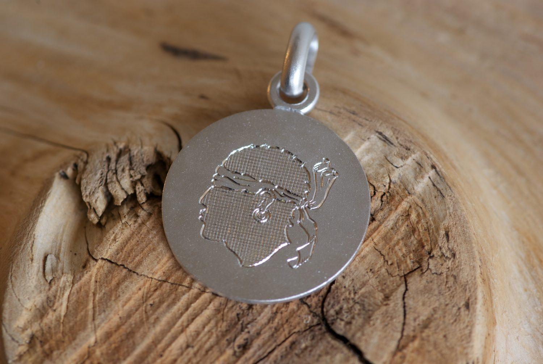 médaille Corse. Or gris.