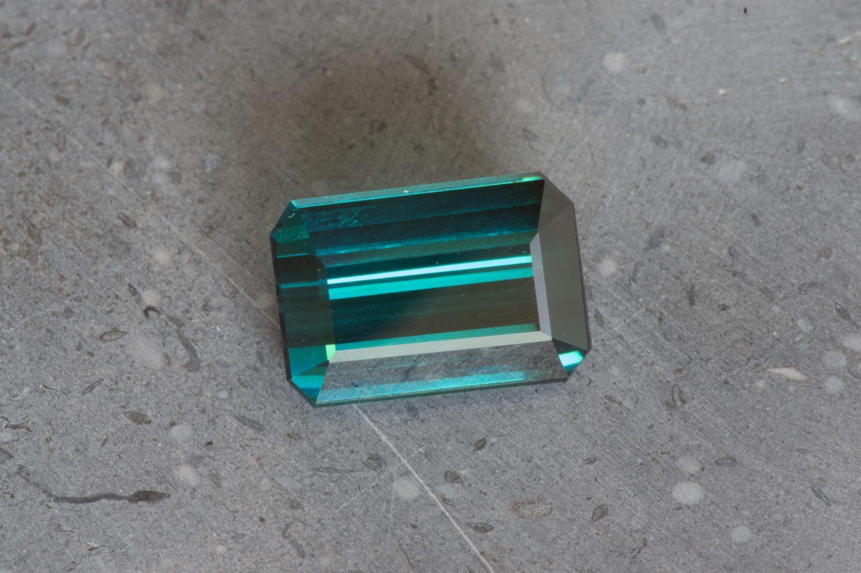 Tourmaline indigolite naturelle. 9,1 carats
