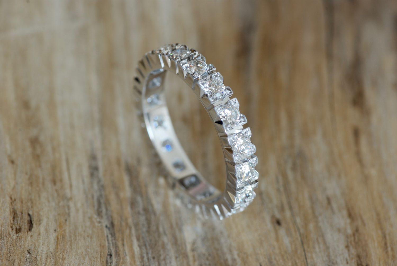 Alliance diamants, or blanc.